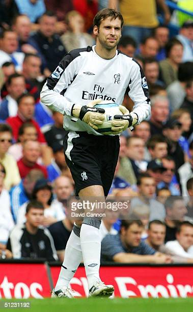 Goalkeeper Petr Cech of Chelsea in action during the Barclays Premiership match between Chelsea and Southampton at Stamford Bridge on August 28 2004...