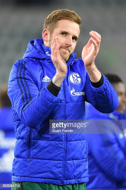 Goalkeeper Ralf Faehrmann of Schalke applaud the supports and celebrated after the Bundesliga match between VfL Wolfsburg and FC Schalke 04 at...