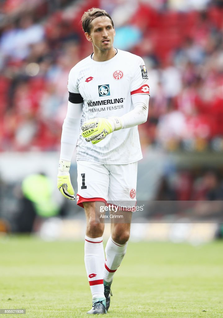 Goalkeeper Rene Adler of Mainz reacts during the Bundesliga match between 1. FSV Mainz 05 and Hannover 96 at Opel Arena on August 19, 2017 in Mainz, Germany.