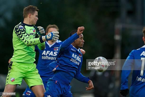 goalkeeper Robbin Ruiter of FC Utrecht Giliano Wijnaldum of AZ during the Dutch Eredivisie match between FC Utrecht and AZ Alkmaar at the Galgenwaard...