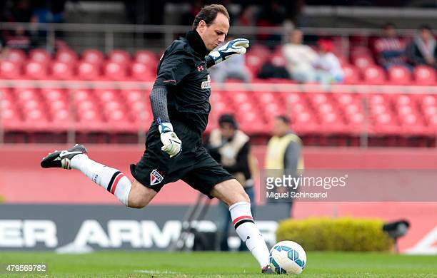 Goalkeeper Rogerio Ceni of Sao Paulo during a match between Sao Paulo v Fluminense of Brasileirao Series A 2015 at Morumbi Stadium on July 05 2015 in...