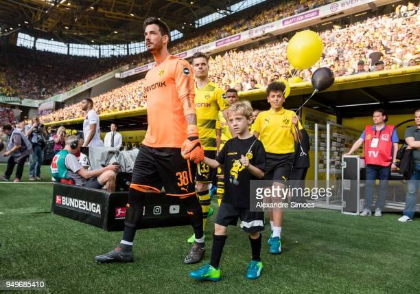 goalkeeper Roman Buerki of Borussia Dortmund during the Bundesliga match between Borussia Dortmund and Bayer 04 Leverkusen at Signal Iduna Park on...