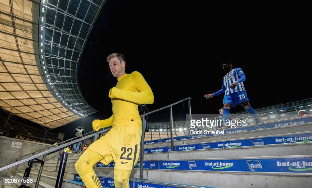 Goalkeeper Rune Jarstein of Hertha BSC leaves the pitch after Hertha loses the Bundesliga match against 1 FSV Mainz 05 at Olympiastadion on February...