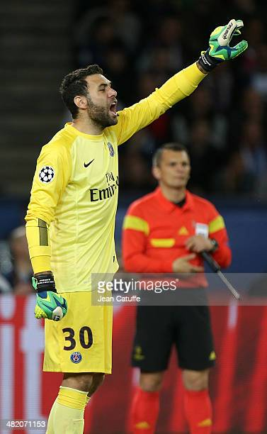 Goalkeeper Salvatore Sirigu of PSG in action during the UEFA Champions League quarter final match between Paris SaintGermain FC and Chelsea FC at...