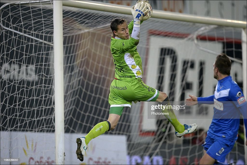 Goalkeeper Sammy Bossut of Zulte-Waregem in action during the Cofidis Cup 1/4 final away match between SV Zulte Waregem and KRC Genk in the Regenboog stadium on December 13, 2012 in Waregem, Belgium.