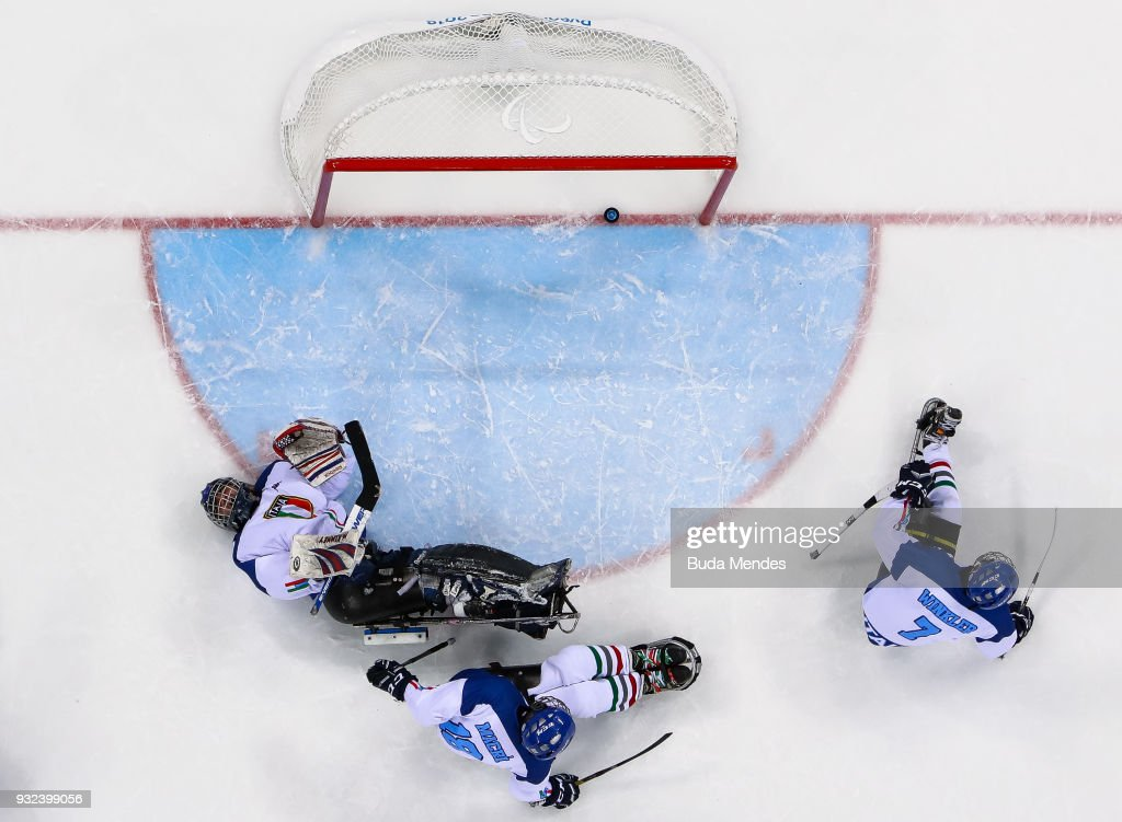 Goalkeeper Santino Stillitano #1 of Italy looks dejected after he gets a goal in the Ice Hockey semifinals playoff game between United States and Italy during day six of the PyeongChang 2018 Paralympic Games at Gangneung Hockey Centre on March 15, 2018 in Gangneung, South Korea.