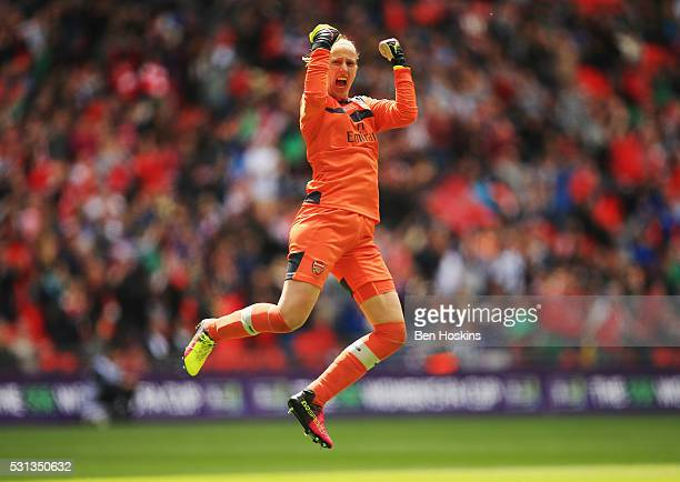 Goalkeeper Sari van Veenendaal of Arsenal celebrates as Danielle Carter of Arsenal scores their first goal during the SSE Women's FA Cup Final...