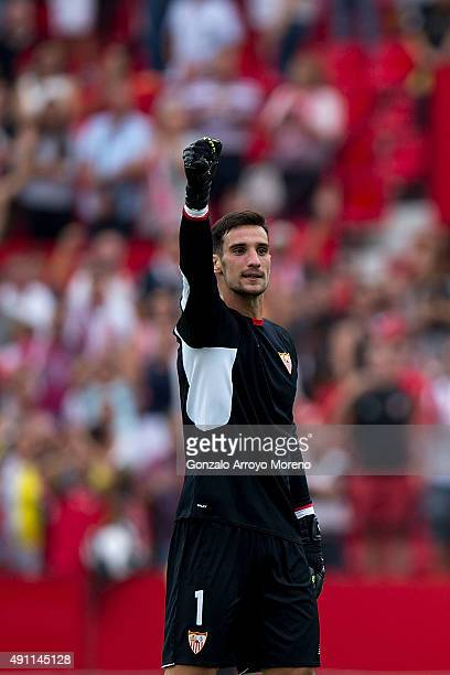 Goalkeeper Sergio Rico of Sevilla FC celebrates their victory after the La Liga match between Sevilla FC and FC Barcelona at Estadio Ramon Sanchez...