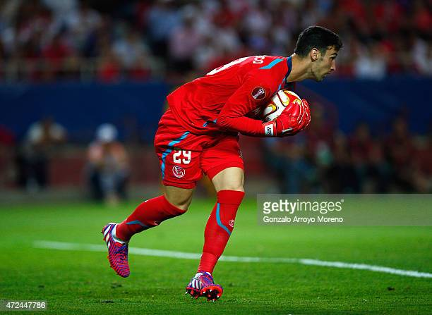 Goalkeeper Sergio Rico of Sevilla gathers the ball during the UEFA Europa League Semi Final first leg match between FC Sevilla and ACF Fiorentina at...