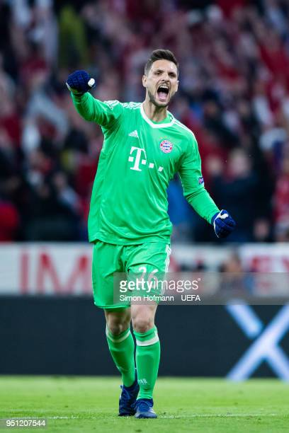 Goalkeeper Sven Ulreich of Muenchen celebrates his team's first goal during the UEFA Champions League Semi Final First Leg match between Bayern...