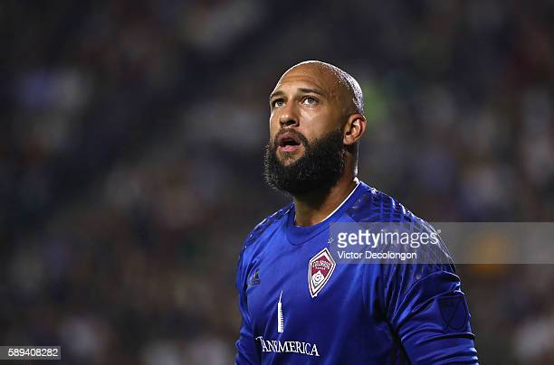 Goalkeeper Tim Howard of the Colorado Rapids waits for the ball during the second half of the MLS match against the Los Angeles Galaxy at StubHub...
