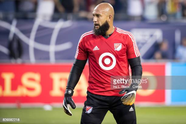 Goalkeeper Tim Howard of the MLS AllStars warms up during the MLS AllStar match between the MLS AllStars and Real Madrid at the Soldier Field on...