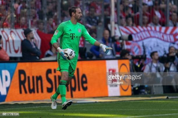 Goalkeeper Tom Starke of Munich controls the ball during the Bundesliga match between Bayern Muenchen and SV Darmstadt 98 at Allianz Arena on May 6...