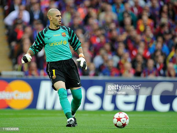 Goalkeeper Victor Valdes of Barcelona during the UEFA Champions League final between FC Barcelona and Manchester United FC at Wembley Stadium on May...