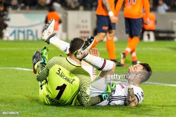 goalkeeper Volkan Babacan of Istanbul Medipol Basaksehir FK Alvaro Negredo Sanchez of Besiktas JK during the Turkish Spor Toto Super Lig match...