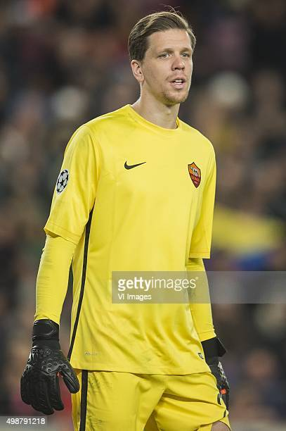 goalkeeper Wojciech Szczesny of AS Roma during the Champions League match between FC Barcelona and AS Roma on November 24 2015 at the Camp Nou...