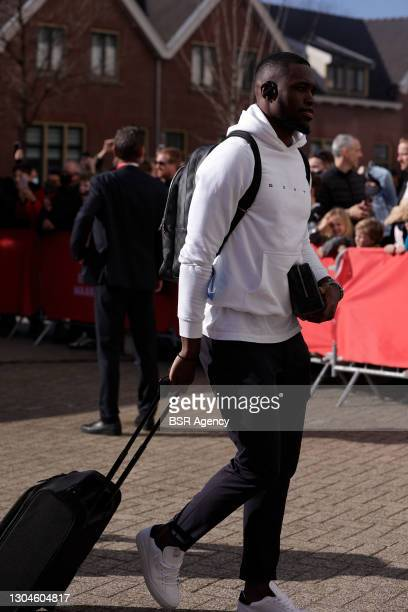 Goalkeeper Yvon Mvogo of PSV Eindhoven before the Dutch Eredivisie match between PSV and Ajax at Philips Stadion on February 28, 2021 in Eindhoven,...