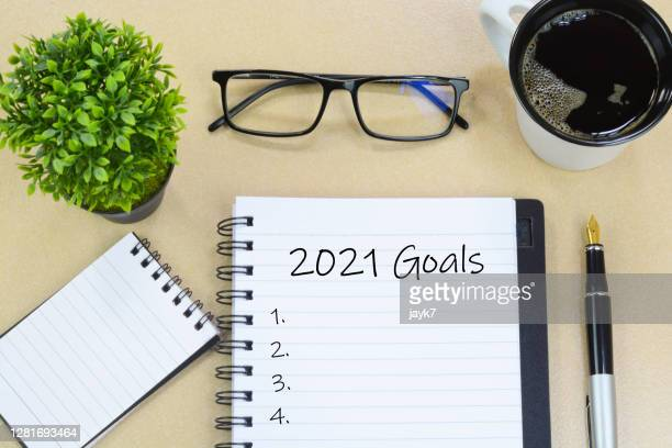 2021 goals - 2021 stock pictures, royalty-free photos & images
