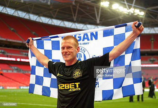 Goalscorer Ben Watson of Wigan Athletic celebrates victory after the FA Cup with Budweiser Final between Manchester City and Wigan Athletic at...