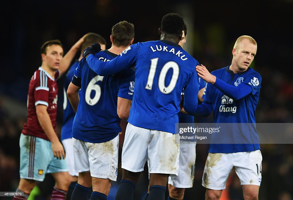 Goalscorer Romelu Lukaku of Everton (10) shakes hands with team mates after the FA Cup Third Round match between Everton and West Ham United at Goodison Park on January 6, 2015 in Liverpool, England.