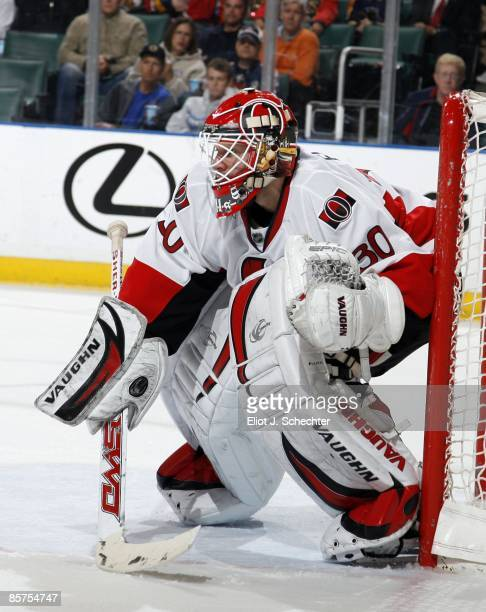 Goaltender Brian Elliott of the Ottawa Senators defends the net against the Florida Panthers at the Bank Atlantic Center on March 31 2009 in Sunrise...
