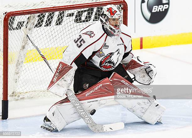 Goaltender Chase Marchand of the RouynNoranda Huskies warms up against the London Knights during the Memorial Cup Final on May 29 2016 at the Enmax...