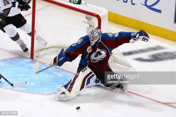 Goaltender Craig Anderson of the Colorado Avalanche blocks a shot during the game against the San Jose at the Pepsi Center on October 1, 2009 in...