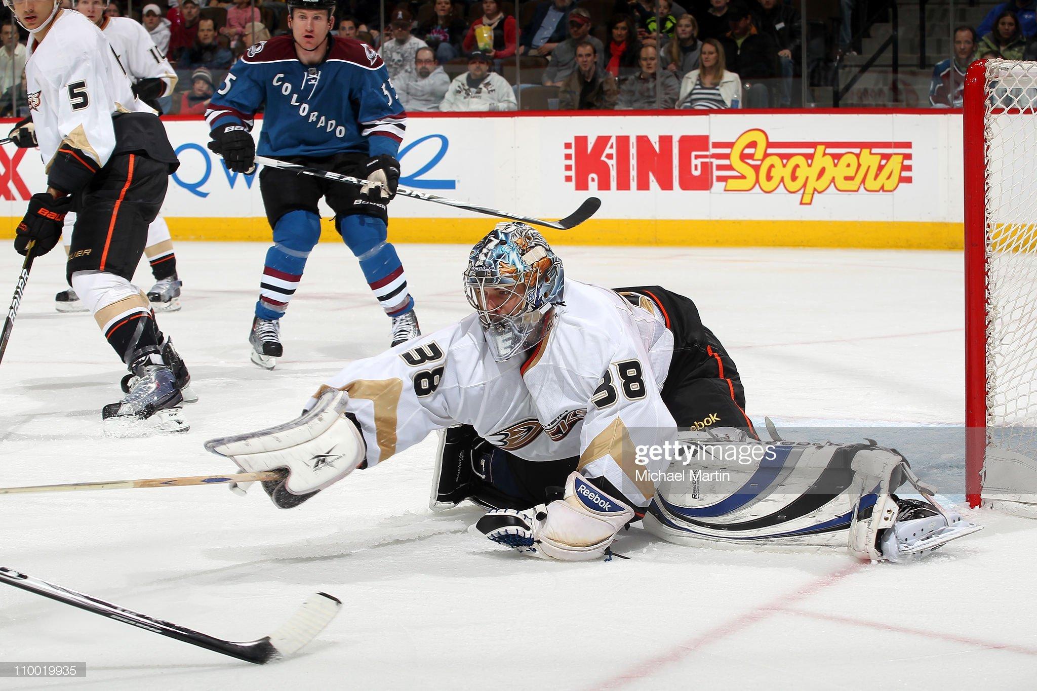goaltender-dan-ellis-of-the-anaheim-duck