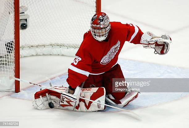 Goaltender Dominik Hasek of the Detroit Red Wings makes a save on a shot from the Anaheim Ducks during game two of the 2007 Western Conference finals...