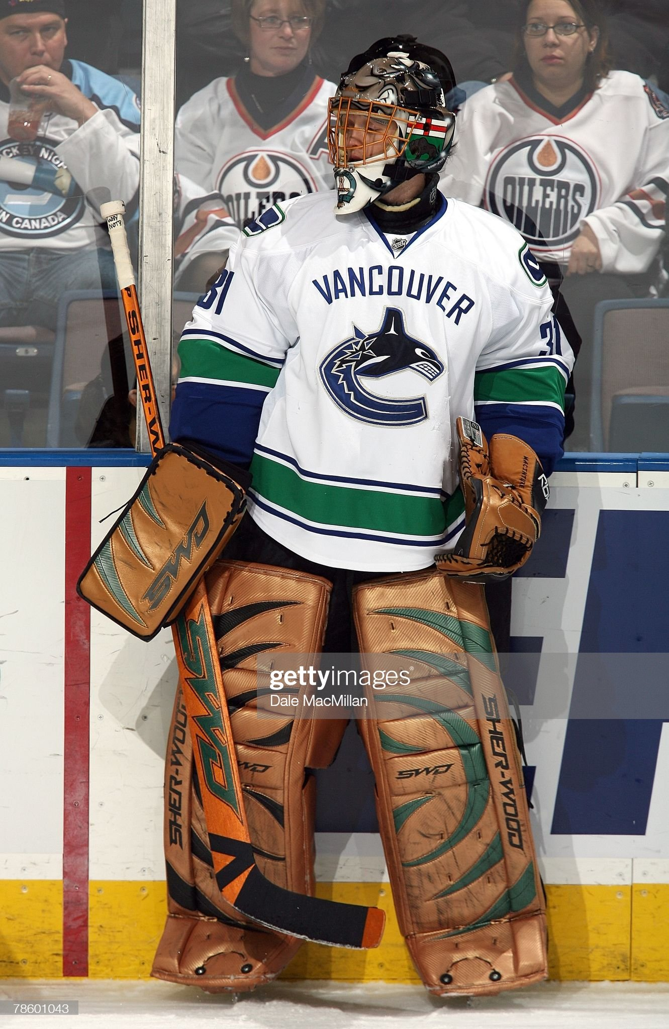 goaltender-drew-macintyre-of-the-vancouv