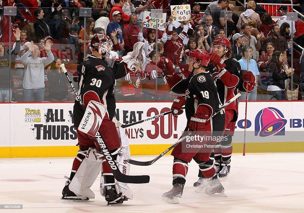 Edmonton Oilers v Phoenix Coyotes : News Photo