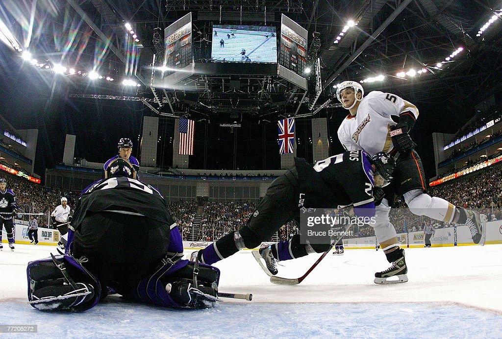 LA Kings v Anaheim Ducks - NHL Premier Series : News Photo