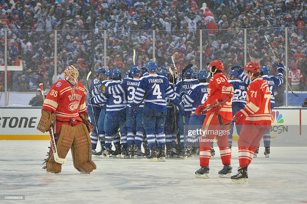2014 Bridgestone NHL Winter Classic - Toronto Maple Leafs v Detroit Red Wings : News Photo