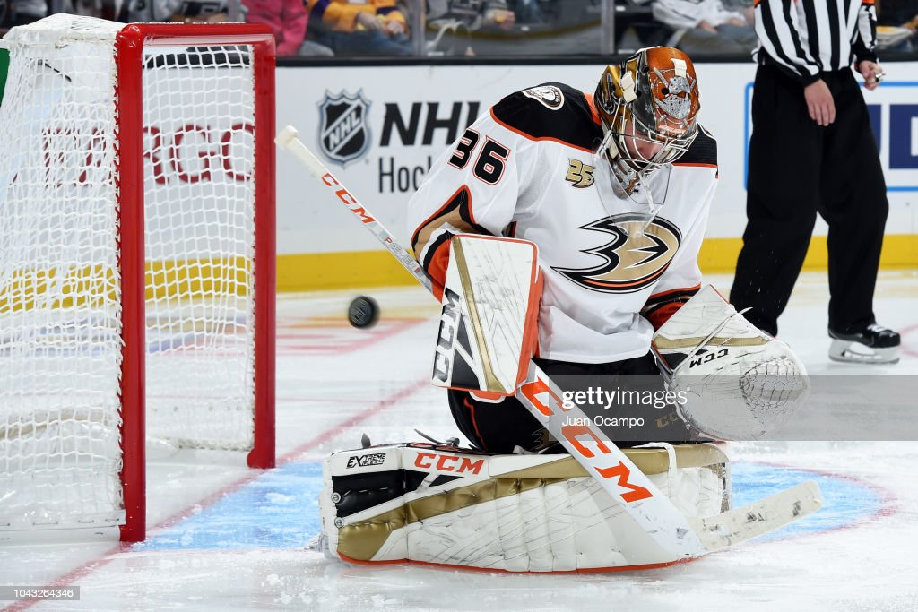 Anaheim Ducks v Los Angeles Kings : News Photo
