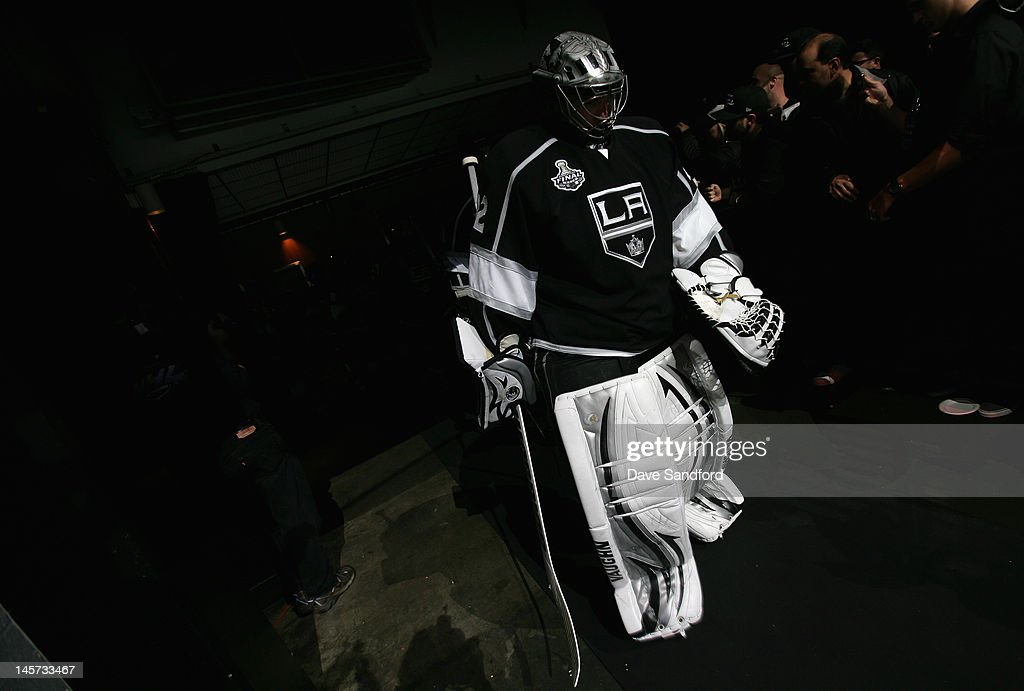 Goaltender Jonathan Quick #32 of the Los Angeles Kings walks out for the third period of Game Three of the 2012 Stanley Cup Final against the New Jersey Devils at the Staples Center on June 4, 2012 in Los Angeles, California.