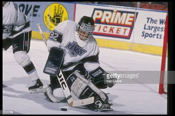 Goaltender Kelly Hrudey of the Los Angeles Kings Mandatory Credit Ken Levine /Allsport
