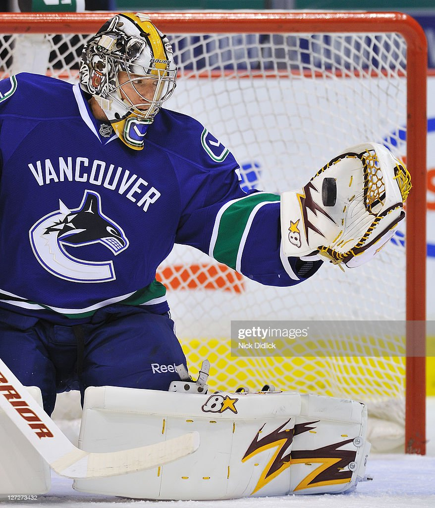 goaltender-matt-climie-of-the-vancouver-