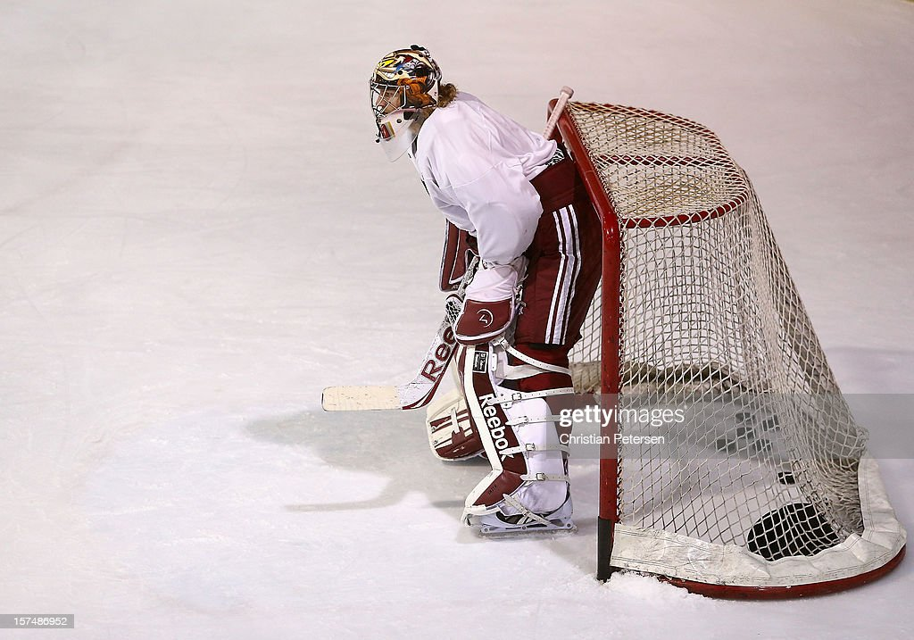 Goaltender Mike Smith #41 of the Phoenix Coyotes participates in a workout at the Ice Den on December 3, 2012 in Scottsdale, Arizona. More than a dozen players from around the league that are not able to play during the NHL lockout have been attending workouts at the Phoenix Coyotes practice rink.
