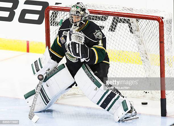 Goaltender Tyler Parsons of the London Knights warms up against the Rouyn-Noranda Huskies during the Memorial Cup Final on May 29, 2016 at the Enmax...
