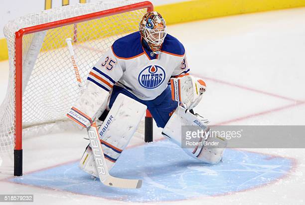 Goaltender Viktor Fasth of the Edmonton Oilers plays in the game against the Los Angeles Kings at Staples Center on October 14 2014 in Los Angeles...