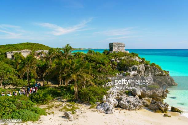 god of winds (dios del viento) temple in a sunny day. ruins of tulum, a pre-columbian mayan walled city in yucatán peninsula on the caribbean sea in the state of quintana roo, mexico. - pre season bildbanksfoton och bilder
