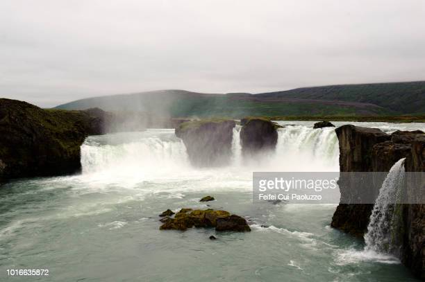 godafoss, northeastern region of iceland - feifei cui paoluzzo stock pictures, royalty-free photos & images