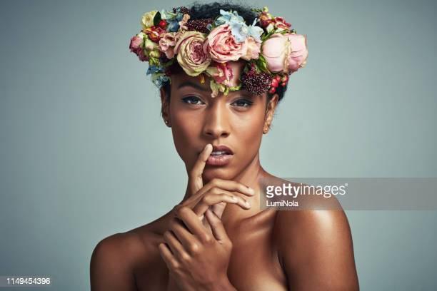 Black Men Kissing White Women - Fotografias e Filmes do
