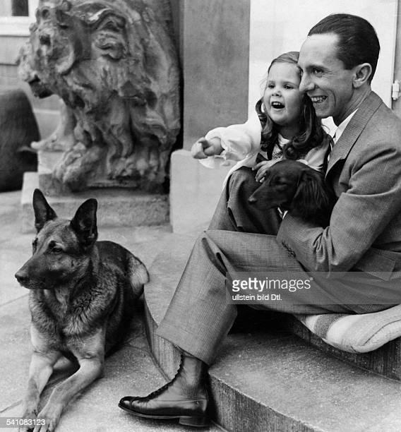 Goebbels Joseph *29101897Politiker NSDAP D mit Tochter Helga 1937