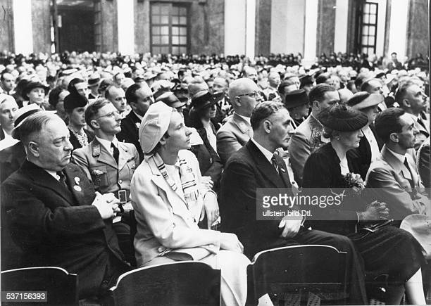 Goebbels Joseph Politician NSDAP Germany Opening of the 'Haus der Deustchen Kunst' in Munich forst row from right Joseph and Magda Goebbels Adolf...