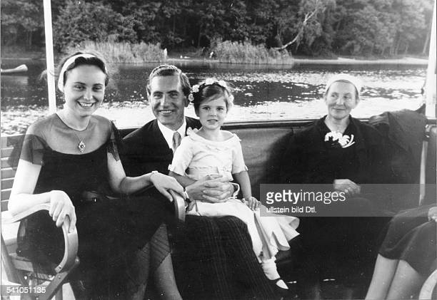 Goebbels Joseph Politician NSDAP Germany*29101897 on a boat trip from left Goebbels sister Maria Max Kimmich daughter Helga and Goebbels mother...