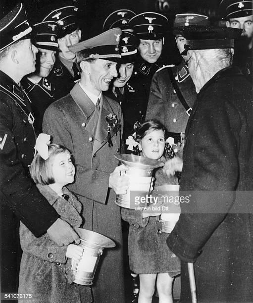 Goebbels Joseph Politician NSDAP Germany*29101897 on the 'Tag der Nationalen Solidaritaet' in Berlin next to Goebbels his daughters Hilde and Helga...