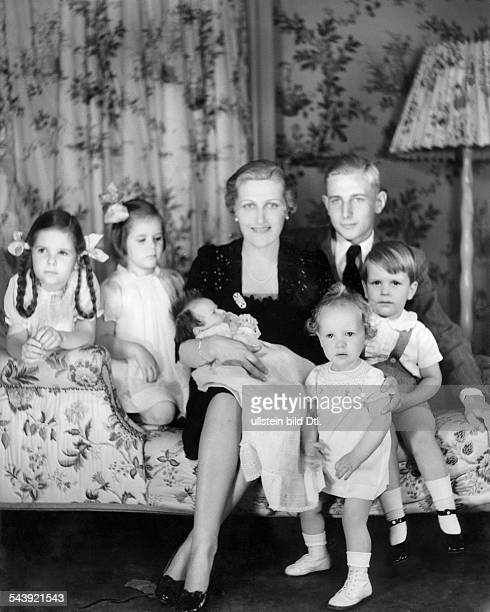 Goebbels Magda Wife of J Goebbels Germany*Johanna Maria Magdalena Behrend With their children Helga Hilde Hedda Holde Hellmut and Harald 1938...