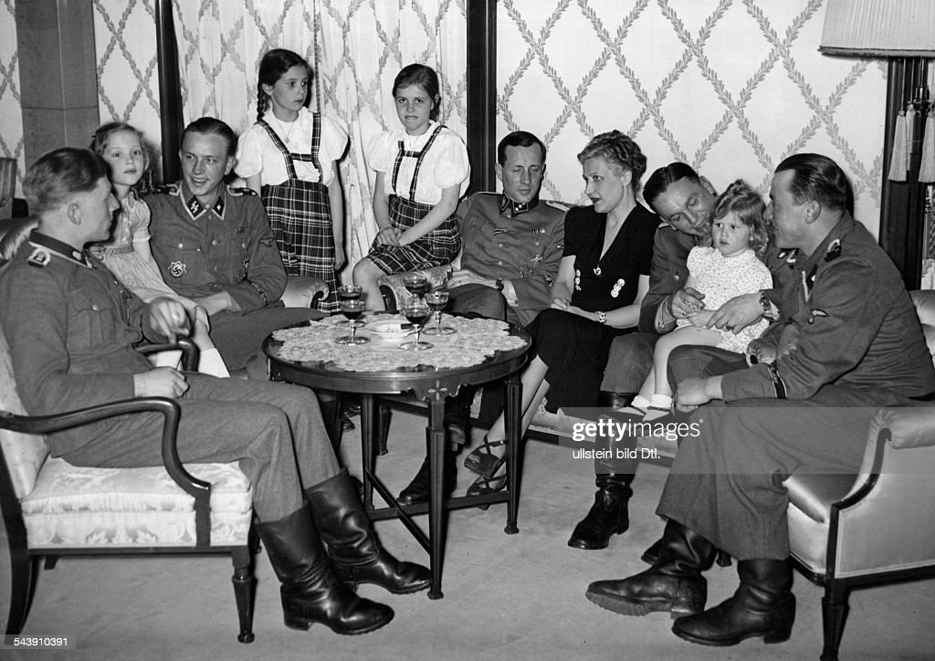 Goebbels, Magda - Wife of J. Goebbels, GermanyWith her daughters at a reception for SS-soldiers who took part in the conquering of the city of Charkiv - 1943- Photographer: Presse-Illustrationen Heinrich Hoffmann- Published by: 'Signal' 11/1943Vintag : Nachrichtenfoto
