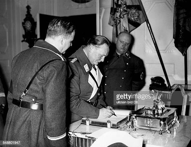 Goering Hermann Politician NSDAP Germany *12011893 Goering visits the city Bremen in the townhall with Gauleiter Carl Roever undated Photographer...